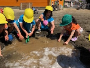 H300421泥んこ遊び