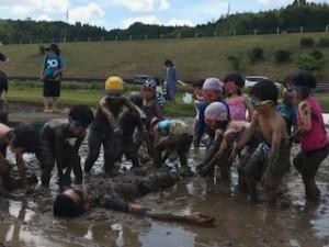 h300604泥んこ遊び5